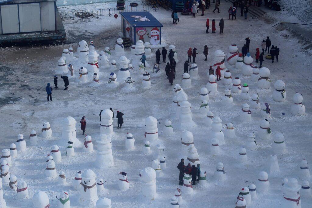 Snowmen on the Songhua river